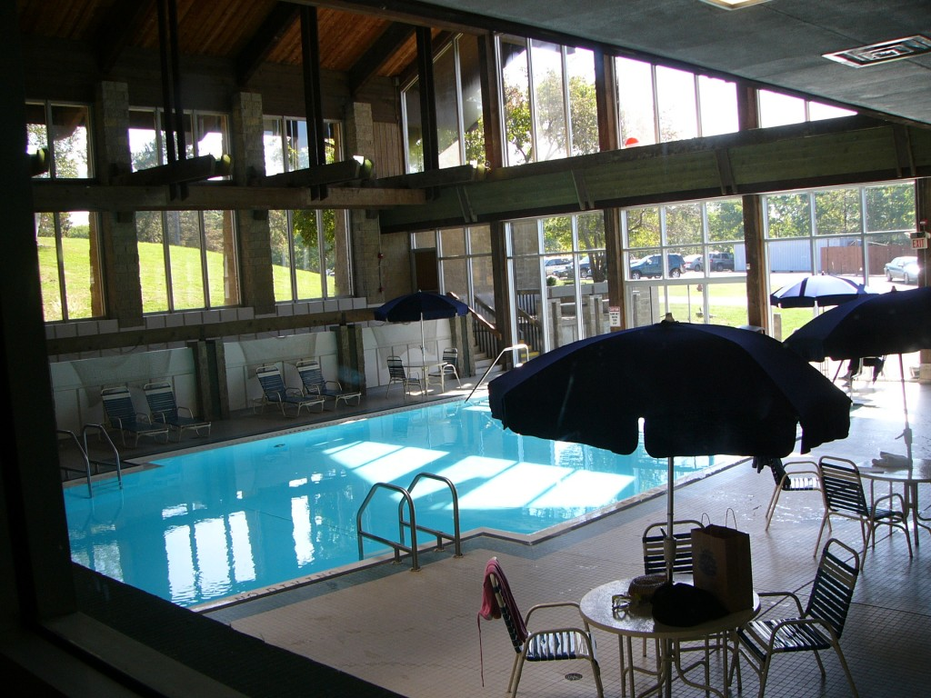 Salt-Fork-Lodge-Swimming-Pool